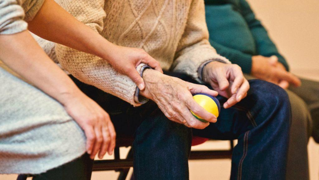 síndrome del cuidador causas síntomas y tratamiento