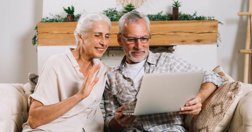 Consejos para hablar con adultos mayores sobre coronavirus