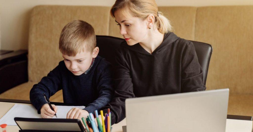 3 Consejos para apoyar a los hijos con la educación a distancia