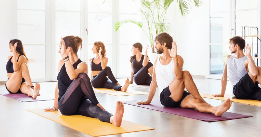 Yoga para reducir el estrés: 4 posturas que tienes que probar